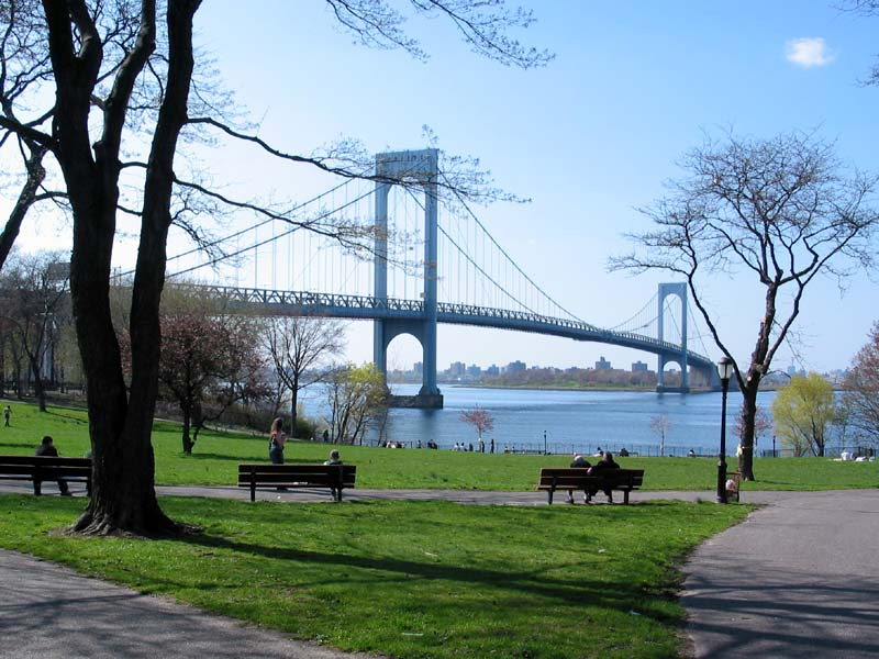 "The image ""http://www.wirednewyork.com/bridges/bronx_whitestone_bridge/whitestone_bridge_francis_lewis_park_27apr03.jpg"" cannot be displayed, because it contains errors."