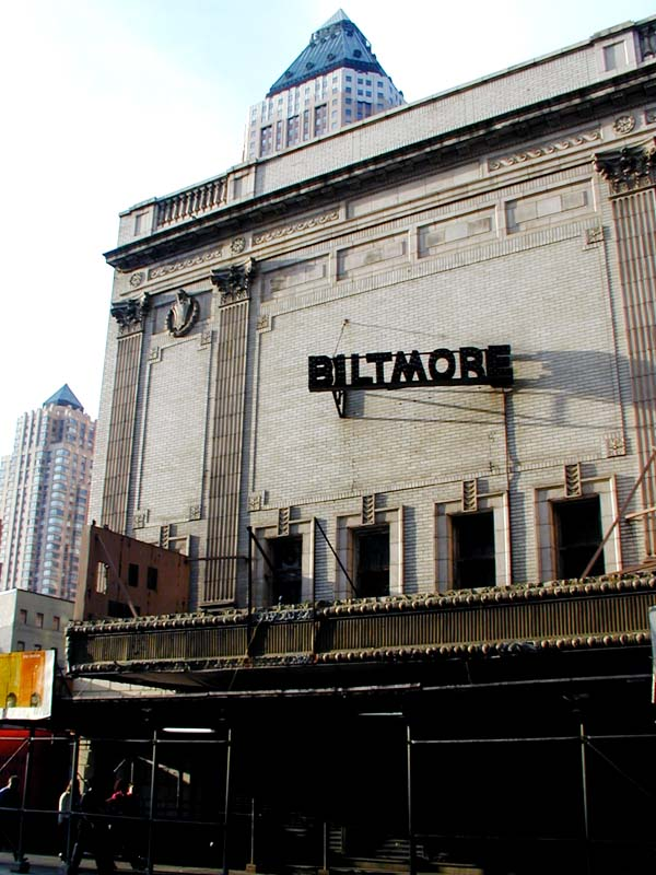 Opened on November 21, as the Biltmore Square Cinema 6 under United Artists Theatres, with a seating capacity of 1, Regal Cinemas took over this theatre in after its acquisition of UA. Regal Cinemas operated the Biltmore Square until June 29, when Cinebarre Corporation took over.