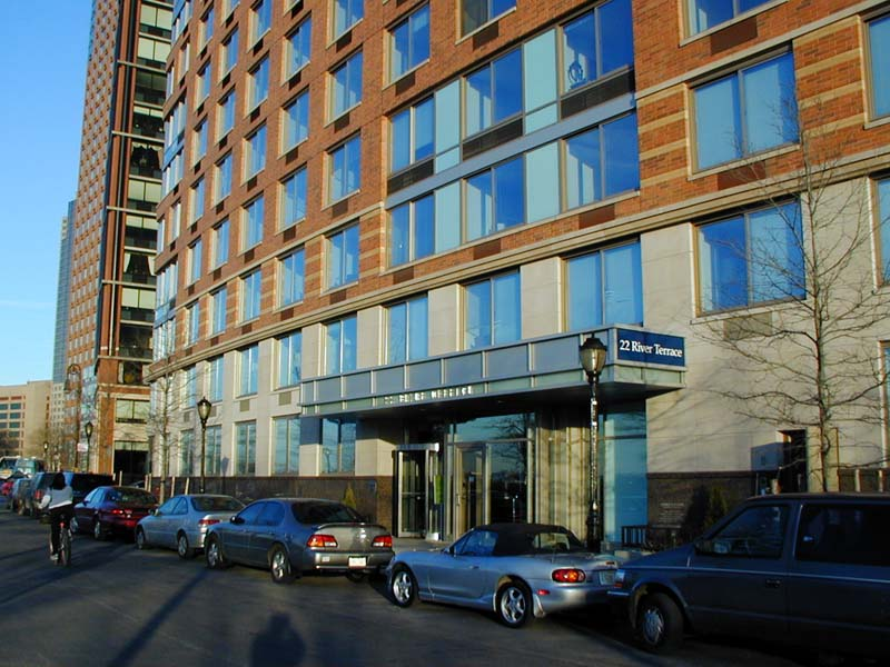 The green premium in nyc rental market heads towards zero for 22 river terrace valet